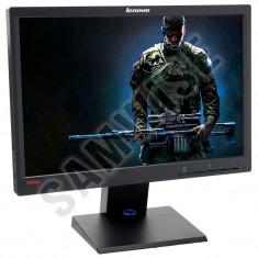 Monitor LED Lenovo 19