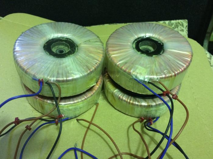 Autotransformator tensiune 230V-120V, 500W