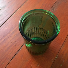 Vechi borcan / pahar de mustar din perioada comunista culoare verde !