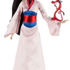 Papusa Disney Mulan cu animal de companie