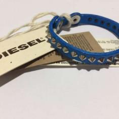 Bratara din piele Diesel albastra cu tinte