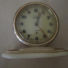 Ceas de masa pt piese