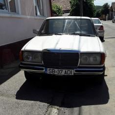 VAND MERCEDES W 123, An Fabricatie: 1976, Motorina/Diesel, 300000 km, 2000 cmc, Model: 180