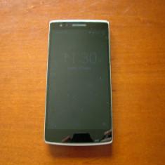 Smartphone Oneplus One 64 GB, 3 GB RAM - Telefon OnePlus
