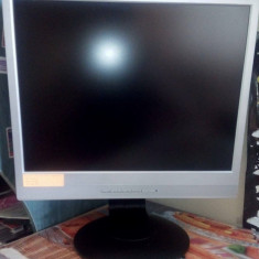 Sistem PC low-end Gaming - Sisteme desktop cu monitor Fujitsu, Intel Core 2 Duo