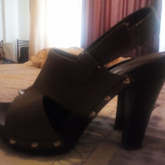 Vând sandale cu toc înalt - Sandale dama D&G, Culoare: Antracit, Marime: 37