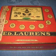 Ed. Laurens Scarabee-Cutie tigarete veche anii 1920-30. Marimi 15_12_4 cm.