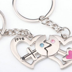 Set Breloc Pentru Cuplu / Indragostiti - In Forma De inima - LOVE - - Breloc Dama