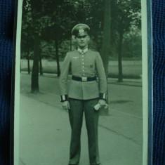 Fotografie militara germana, al 3-lea Reich ofiter de WH in tinuta de oras - Fotografie veche