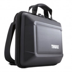 Geanta Thule Gauntlet pentru MacBook Pro, 13 inch, Black - Geanta laptop THULE, Plastic, Negru
