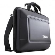 Geanta Thule Gauntlet pentru MacBook Pro, 15 inch, Black - Geanta laptop THULE, Plastic, Negru