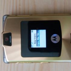 Telefon Motorola V3, Auriu, Nu se aplica, Neblocat, Fara procesor
