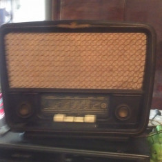 Radio pe lampi romanesc Popular Unirea S592 B - Aparat radio