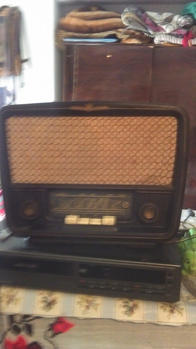Radio pe lampi romanesc Popular Unirea S592 B foto mare