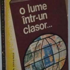 O lume intr-un clasor - Aurel Crisan
