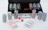 Set Poker si zaruri cu 300 jetoane in servieta din aluminiu -  Nou