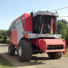 Combina agricola Massey Ferguson 7272