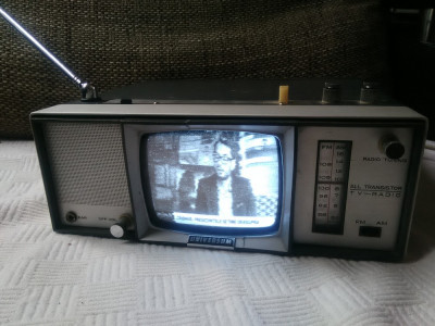 Combina vintage TV Radio Universum FK100R, an 1968, stare excelenta. foto