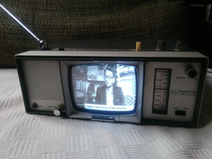 Combina vintage TV Radio Universum FK100R, an 1968, stare excelenta. foto mare