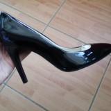 Pantofi guban  piele lacuita