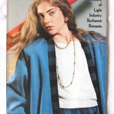 Revista / Catalog ROMARTA NR. 5, 1987. In engleza, Ministerul Industriei Usoare - Revista vintage