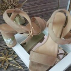 Sandale nude Truffle din UK