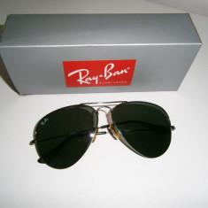 Ochelari de soare Ray-Ban, unisex, in stare buna!