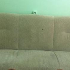 Vând canapea