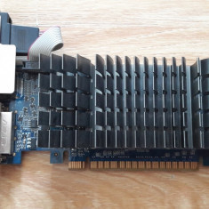 Vand GeForce GT 610 2GB DDR3 la 150lei transport gratuit - Placa video PC Asus, PCI Express, nVidia