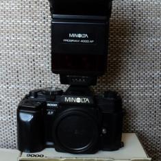 Vand aparat foto Minolta 9000 impreuna cu un Flash Minolta 4000AF - Aparat Foto cu Film Konica Minolta