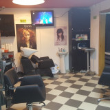 Ocazie!Vand salon infrumusetare la cheie