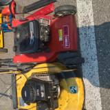 Masina tuns iarba