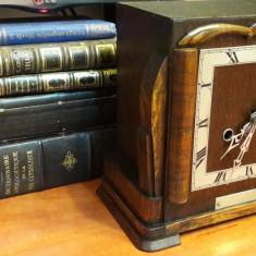 Ceas de semineu cu pendul Enfield 1930