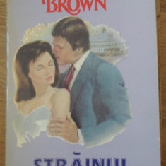 Strainul - Sandra Brown, 399336 - Roman dragoste
