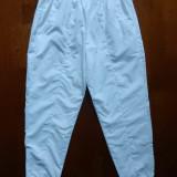 Pantaloni Reebok. Marime L: 72-104 cm talie elastica, 102 cm lungime; ca noi