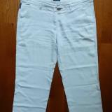 Armani Jeans Comfort Fit; 96 cm talie, 92 cm lungime etc.; material: in; ca noi - Pantaloni barbati, Marime: Masura unica, Culoare: Din imagine