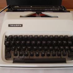 Masina de scris TRIUMPH JUNIOR 10+banda noua de scris