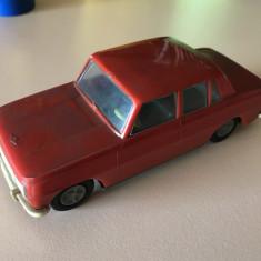 Nr. 453 Jucarie comunista - masina din plastic cu frictiune. - Colectii