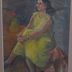 DAN BAJENARU -FEMEIE IN GALBEN, Portrete, Ulei, Altul