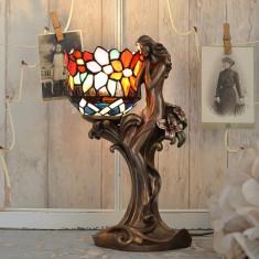 LAMPA TIFFANY CU O FEMEIE IS280, Lampi