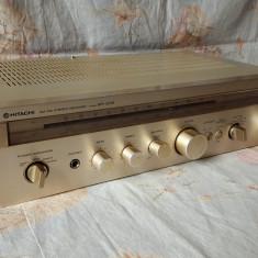 Amplituner HITACHI SR-2010-nu se aude - Amplificator audio