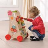 Joueco- antemergator din lemn cu activitati