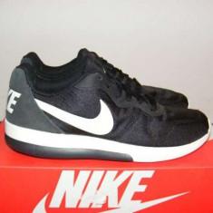 Adidasi Nike MD Runner 2 LW 844857-010 nr. 41 - Adidasi barbati Nike, Culoare: Din imagine, Textil