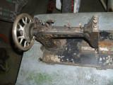 MASINI de CUSUT foarte vechi