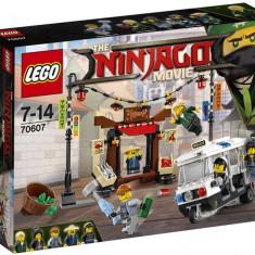 LEGO Ninjago - Urmarirea din orasul Ninjago 70607