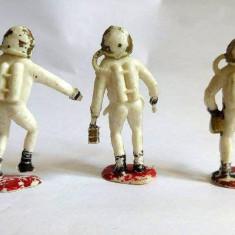 Lot 3 figurine plastic astronauti, Hong Kong, 5cm
