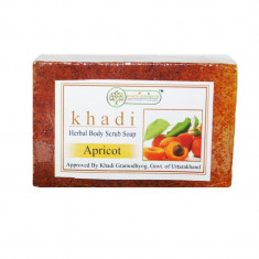 Sapun natural exfoliant din caise India