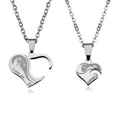 Set de două coliere pentru cuplu, din oțel, pandantive sub formă de inimă cu inscripții și zirconii - Colier inox