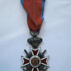 Ordinul Coroana Romaniei cu spade, model 2 de razboi, in grad de Cavaler. WW2 - Decoratie