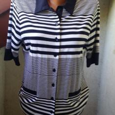 COSTUM ELEGANT, SUPERB, NOU MARIME M/40 - Costum dama, Marime: 42/44, Culoare: Bleumarin, Costum cu fusta